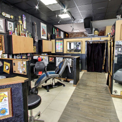 Skip sampson of 1603 tattoo receives best tattoo artist for Tattoo parlors in tampa